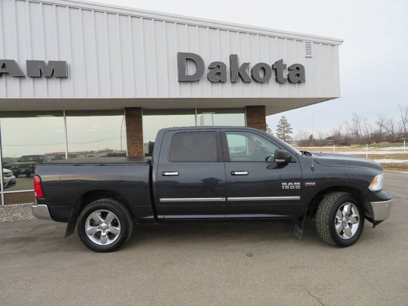 Pre Owned 2016 Ram Pickup 1500 Horn 4x4 4dr Crew Cab 5 Ft