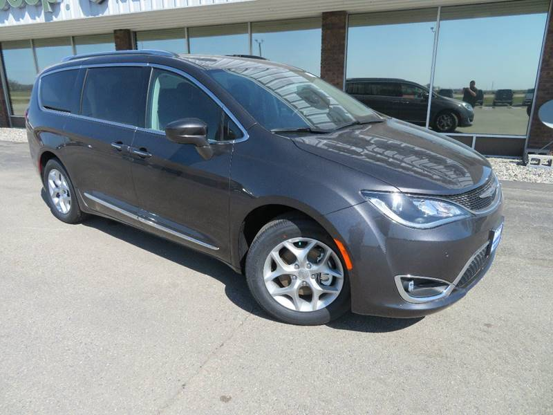 New 2019 CHRYSLER Pacifica Touring L Plus 4dr Mini Van