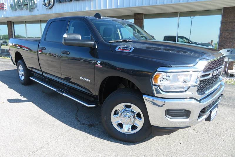 New 2019 RAM 3500 Tradesman 4x4 4dr Crew Cab 8 ft. LB SRW Pickup