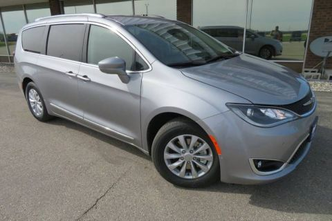 New 2019 CHRYSLER Pacifica Touring L 4dr Mini Van